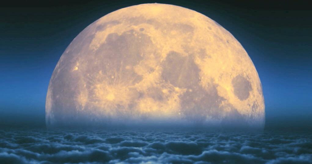 big-moon-01